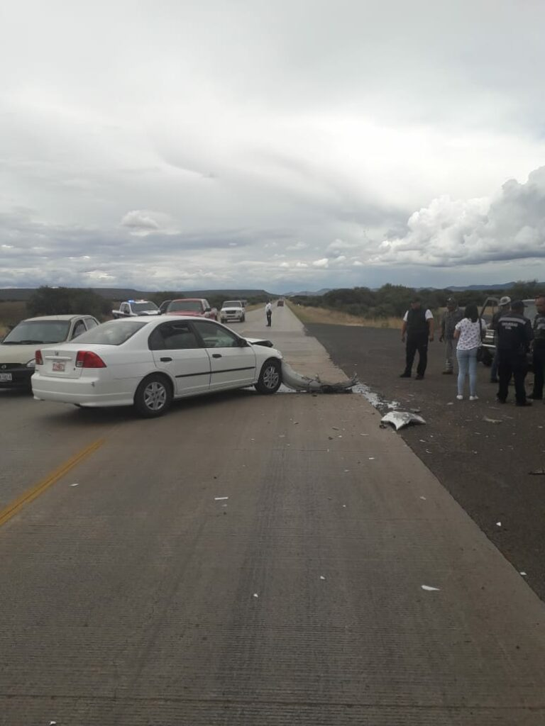 Se atraviesa en la carretera y provoca accidente