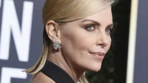 "Por ""mayor"" salió Charlize Theron de Mad Max"